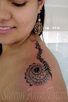 Tatuagens femininas: Tatuagem de Rendas