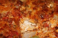 This Beef Lasagna Casserole is one of the classic Italian casserole recipes with ground beef that& made easy. This ground beef casserole is the perfect weeknight dinner because it& simple to prepare and will please everyone at your table. Italian Casserole, Lasagna Casserole, Casserole Recipes, Beef Dishes, Pasta Dishes, Food Dishes, Main Dishes, Ground Beef Casserole, Italian Dishes