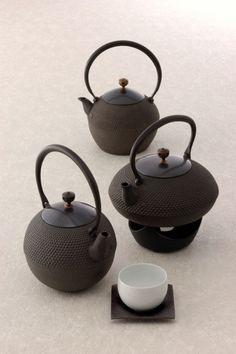 Japanese Iron Kettle / 鋳心ノ工房