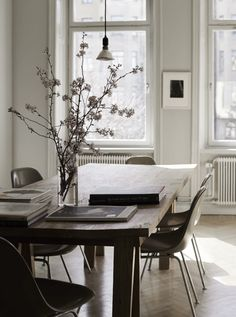 That Kind Of Woman · gravity-gravity: Source: Lotta Agaton