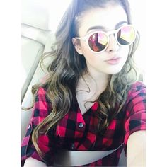 kalania hiliker;: hey I'm Kayla. I'm 15 and single. I dance. (can someone be Hayes Grier for her to date?)