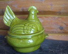 pottery pitchers with painted roosters,hens chicks | California Pottery Chicken Soup Tur een ...