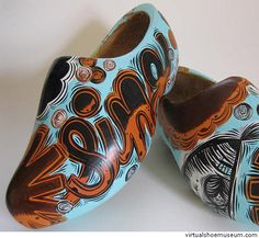 Campbell goes Dutch. Now I want to do my own painted clogs.
