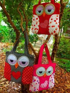More cute Owl bags! Fabric Crafts, Sewing Crafts, Sewing Projects, Patchwork Bags, Quilted Bag, Owl Patterns, Sewing Patterns, Owl Bags, Owl Crafts