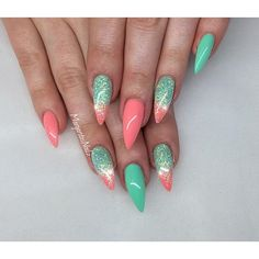 Mint and coral stiletto nails spring nail art coral gel nails, coral nails with design Coral Gel Nails, Coral Nails With Design, Acrylic Nails, Spring Nail Art, Spring Nails, Summer Nails, Fabulous Nails, Gorgeous Nails, Pretty Nails