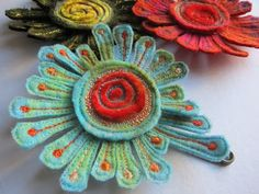 Would love to learn to make these... Dog-Daisy Chains: textiles