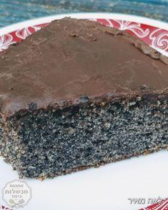 עוגת פרג בחושה מנצחת של סבתא אביבה Cake Receipe, Dessert Cake Recipes, Desserts, Israeli Food, Cake Decorating Tips, Cake Cookies, No Bake Cake, Bakery, Food And Drink