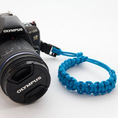 How to make a camera strap from paracord? Great idea!!