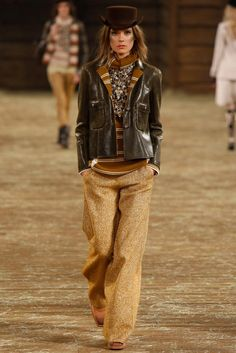 Chanel Pre-Fall 2014 - Collection - Gallery - Look 1 - Style.com