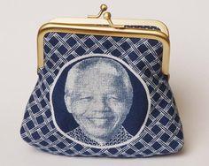 Clutch frame purse in Indigo Shweshwe for coins, cards/make-up - Mandela Magic design Nelson Mandela, Lady Diana, Afro, Bleu Indigo, Magic Design, African Design, African Style, African Fashion, Frame Purse