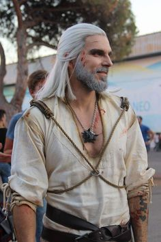 Post with 1648 votes and 54149 views. Tagged with Awesome; Shared by maraflorin. The Witcher 3 - Geralt of Rivia cosplay by Maul Cosplay