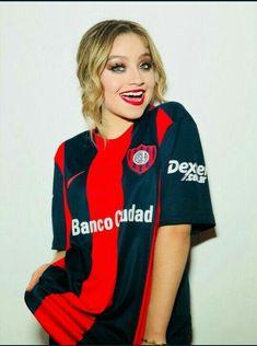 ♡Karol Sevilla♡ Disney Channel, Mode Outfits, Fashion Outfits, Womens Fashion, Cisneros, Brazilian Girls, Son Luna, The Most Beautiful Girl, American Actress