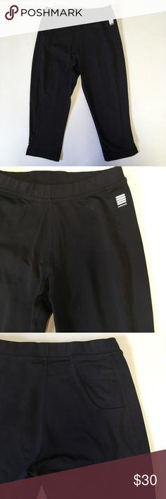 """Lands End Black Leggings Capris Crops Black tight Capri crop leggings from Lands End, there is a small pocket at the back right hip. 17"""" inseam. Gusseted. Tag says XS (2-4). Lands' End Pants Leggings"""