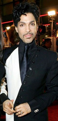 Prince 30 Years in Pictures — Prince so handsome