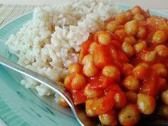 Éltető ételek: Csicseriborsó ragu barna rizzsel Chana Masala, Healthy Lifestyle, Ethnic Recipes, Food, Hoods, Meals, Healthy Living