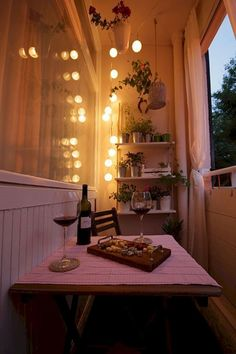 Cozy Apartment Balcony Decorating Ideas on A Budget (47)