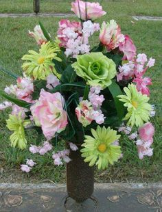Cemetery flowers, memorial flowers, sympathy flowers, In Remembrance flowers, flower arrangement