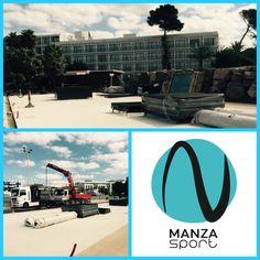 Instalando pistas de #padel en Ibiza! Nos encanta nuestro trabajo!