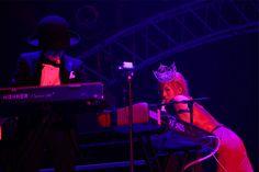 ゴージャス&セクシーな衣装で登場した椎名林檎  (c)テレビ朝日ドリームフェスティバル2015