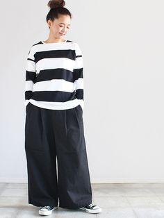 ワイドボーダーは1枚で着ても、人と差がつくアイテムです。ワイドパンツやフレアスカートなどに合わせて、ガーリーカジュアルやマニッシュな着こなしに...。