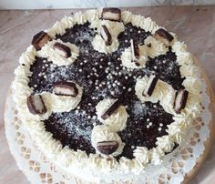bounty-torta-kozeli Sweet Recipes, Tiramisu, Cookie Recipes, Recipies, Goodies, Food And Drink, Birthday Cake, Cupcakes, Sweets