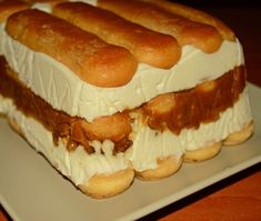 cum se face prajitura din piscoturi Cake Recipes, Dessert Recipes, Tiramisu Recipe, Romanian Food, Icebox Cake, Sweet Tarts, Sweet Desserts, Appetizers For Party, Hot Dog Buns