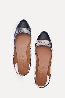 Black/White www.suelasonline.com #suelas #suelasonline #shoes #fashion #foldable #travel #philippines