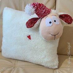 Интерьер Новый год Шитьё Подушка овечка в съемной шапочке Ткань фото 1
