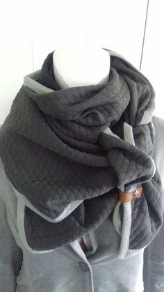 Driehoek sjaal  licht grijs / donker grijs