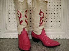 hot pink snake skin.. these boots are kickin'