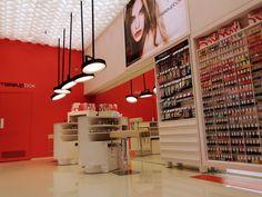 Makeupbox brand shop interior design