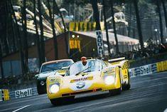 Le Mans, 1971: Ecurie Francorchamps Ferrari 512 M of Hughes de Fierlant and Alain De Cadenet.