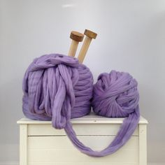 Thick giant yarn. Super bulky Extreme arm knitting kit. Chunky yarn wool knit blanket throw. Very thick gigantic yarn. Massive knitted loop.