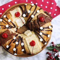 Rosca de Reyes de Vainilla y Chocolate! Porque no podía faltar la de este año  ya está disponible la receta en el blog  te dejo el link del vídeo arriba en la bio  recuerda suscribirte a mi canal de YouTube #chokolatpimienta #foodblog #delicious #roscadereyes #navidad #guadalupereyes #chocolate #roscondereyes #rosca #yum #yummy #food #foodporn #foodie #delicious #sweet