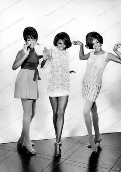 Print Diana Ross Mary Wilson The Supremes by Seawell 60s And 70s Fashion, Mod Fashion, Vintage Fashion, Fashion Trends, Style Fashion, Mary Wilson, Vintage Black Glamour, Look Vintage, Diana Ross Supremes