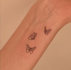 Tiny Tattoos For Girls, Little Tattoos, Mini Tattoos, Tattoos For Women Small, Small Tattoos, Tiny Flower Tattoos, Birth Flower Tattoos, Hip Tattoos Women, Dainty Tattoos