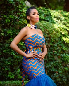 Outfit Makeup Hair and nails Eyelashes Wardrobe assistant African Print Fashion, Africa Fashion, African Fashion Dresses, African Outfits, African Prints, African Wear, African Attire, African Women, Mode Wax