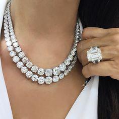 Diamond Pendant Collection K L – Finest Jewelry Luxury Jewelry, Modern Jewelry, Fine Jewelry, Jewellery, Diamond Necklace Set, Opal Necklace, Emerald Jewelry, Diamond Jewelry, Emerald Earrings