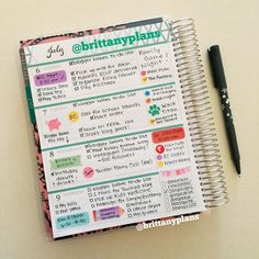 Cute @erincondren horizontal life planner spread.