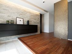 【公式:ダイワハウスの住宅商品xevoΣ(ジーヴォシグマ)のサイト】暮らしがイメージできるxevoΣの外観・内観をご紹介しています。 Style At Home, Japanese Modern House, Zen Interiors, Japanese Apartment, Plafond Design, Minimal Home, House Entrance, Building A House, House Plans