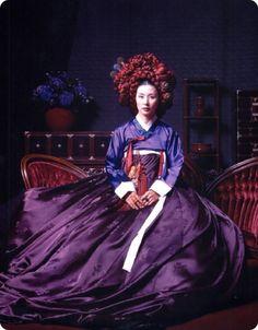 Hanbok, the Korean traditional dress Korean Traditional Dress, Traditional Fashion, Traditional Dresses, Korean Dress, Korean Outfits, Ethnic Fashion, Asian Fashion, Korean Beauty, Asian Beauty