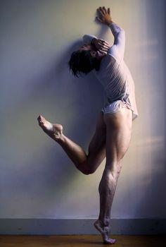 Rhys Kosakowski al desnudo