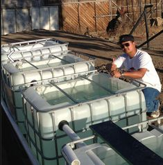 Ken Aguliar building an aquaponics system in Mexico for an orphanage! Global Plastic Sheeting has fish safe plastic liners such as NDF 24 (no dead fish), and Dura-Skrim Fish will thrive as long as you treat them well. Aquaponics Greenhouse, Aquaponics Fish, Fish Farming, Aquaponics System, Hydroponic Gardening, Sustainable Farming, Urban Farming, Diy Aquarium Filter, Fish Ponds Backyard