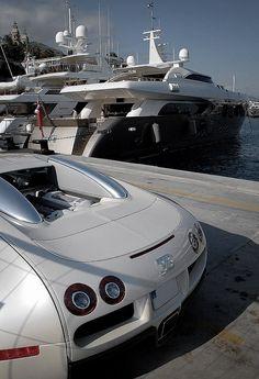 super mega yachts yacht numptia 100 sun deck at night. Black Bedroom Furniture Sets. Home Design Ideas