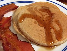 Real Food Pancake Recipes: Regular and Healthy Whole Wheat Whole Wheat Pancakes, Pancakes And Bacon, Pancakes Easy, Breakfast Pancakes, Breakfast Time, Breakfast Recipes, Pancake Recipes, Waffles, My Favorite Food