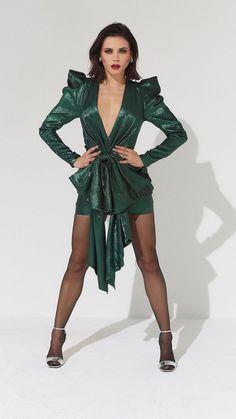 Jenna Dewan, hot, green dress, Harpers Bazaar, 2018, 720x1280 wallpaper
