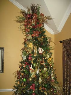 Champagne Taste on a Beer Budget Decorating: Making a $200 Christmas Tree look like a Million Dollar Tree