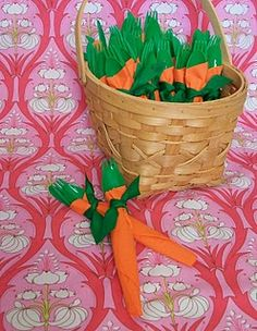 Carrot Napkins for Easter (I LOVE this!) So simple and yet such a cutie idea!