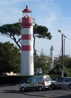 Phare du vieux port de La RochelleLa RochelleCharente-MaritimeFrance46.155919,-1.152323  alignment of two lighthouses of La Rochelle