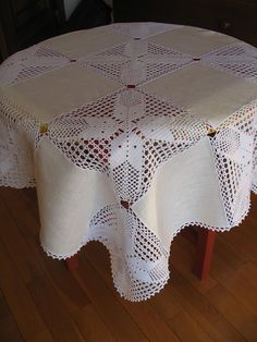 Knit crochet tablecloth for a holiday table. Master class and circuits